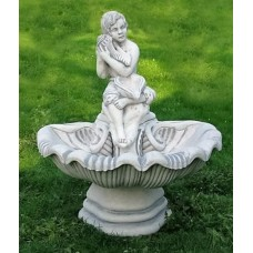 Wandbrunnen mit ovaler Schale und Figur