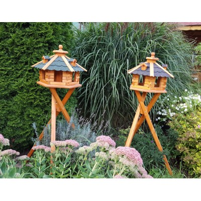 Vogelhaus mit Standfuß